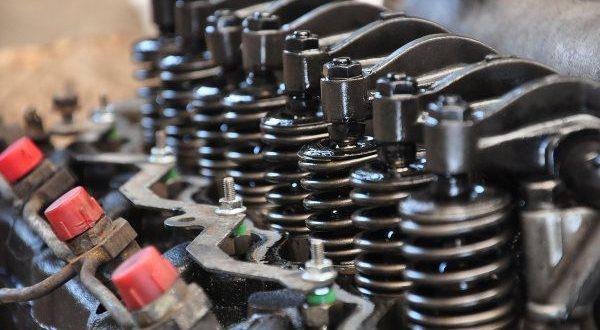 Naprawy silników i rozrządów